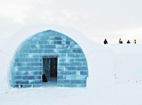 """瑞典""""冰屋"""":每年都要重建的酒店"""