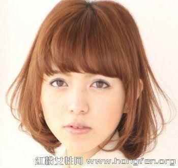 2013简单最新减龄齐刘海发型烫发头皮疼短发个换发型怎么办图片
