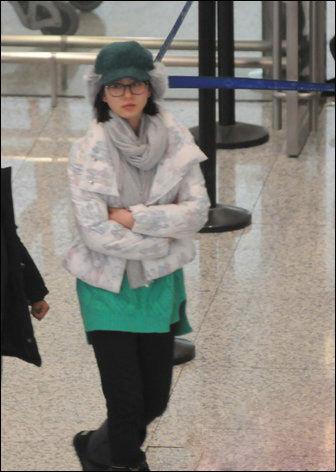 被粉丝们称女神刘诗诗近日素颜出现在上海虹桥机场