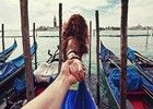 跟着女友走世界Followme写真网络爆红