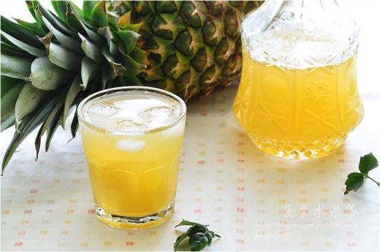 用纸杯制作菠萝
