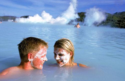 带着母亲享受各地温泉之冰岛蓝湖地热温泉