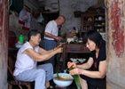 老社区包粽比赛飘出浓浓街坊情