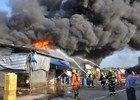 广西梧州一批发市场发生大火烧毁117间铺面