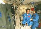 航天员王亚平进行我国首次太空授课