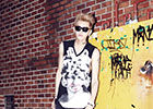 EXO推后续曲《Growl》曝街拍写真