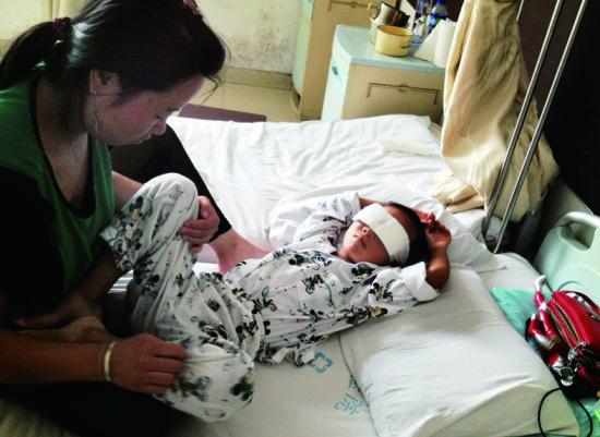 山西6岁男童被人挖去双眼