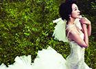 韩雪白纱出镜置身梦幻森林化身童话公主