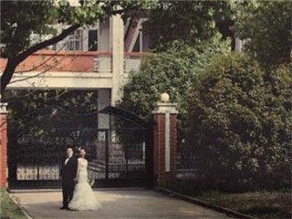 回母校拍婚纱照