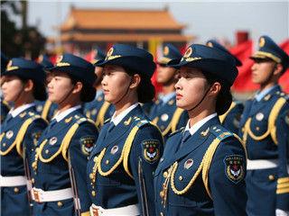 解放军仪仗女兵