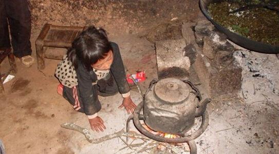 小杜更直观的了解到云南贵州等贫困山区孩子们学习和生活的状况,原来