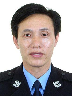 """视频:第三届无锡""""十大杰出民警""""候选人 洪汝荣"""