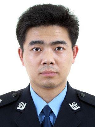 """视频:第三届无锡""""十大杰出民警""""候选人 陈俊"""